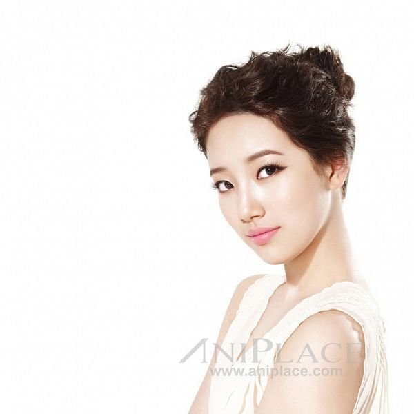 Tags: K-Pop, Miss A, Bae Suzy, Light Background, Make Up, White Background, Hair Buns, Hair Up, Single Bun, Aniplace