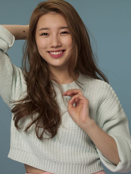 Tags: K-Pop, Miss A, Bae Suzy, Make Up, Blue Background, Sweater, Hand In Hair, Wavy Hair, Android/iPhone Wallpaper, Clalen