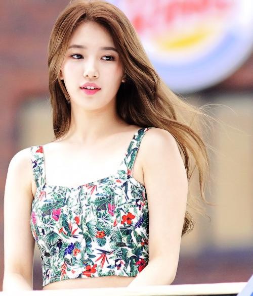 Tags: K-Pop, Miss A, Bae Suzy, Bare Shoulders, Tank Top, Looking Away, Wind, Sleeveless, Flowing Hair, Black Eyes, Floral Print