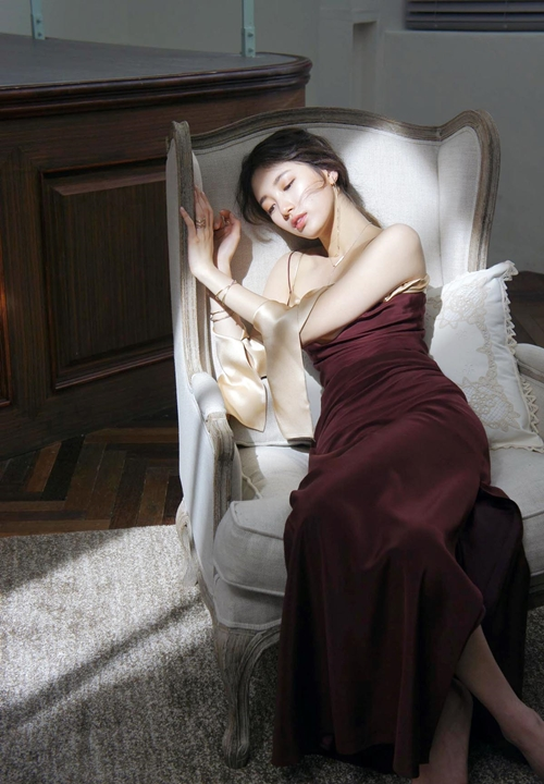 Tags: K-Pop, Miss A, Bae Suzy, Pillow, Sitting On Chair, Bare Shoulders, Sleeveless, Sleeveless Dress, Red Dress, Bracelet, Eyes Half Closed, Armchair