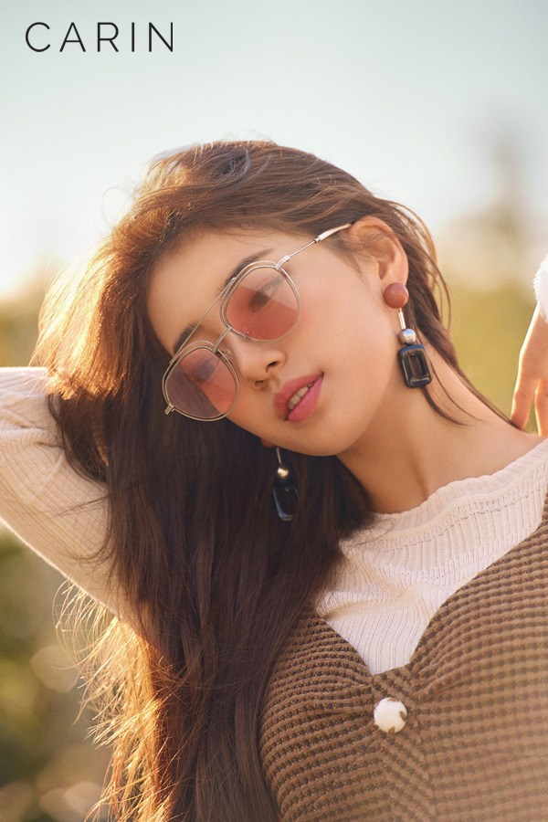 Tags: JYP Entertainment, K-Pop, Bae Suzy, Glasses, Looking Down, Sunglasses, Arms Up, Brown Outfit, Brown Dress, Carin