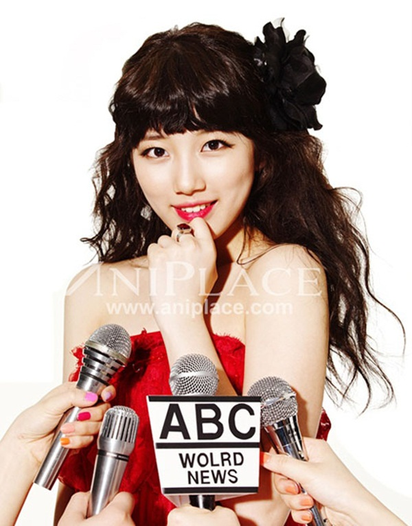 Tags: K-Pop, Miss A, Bae Suzy, Light Background, Hair Ornament, White Background, Bare Shoulders, Red Shirt, Ring, Bow, Make Up, Hair Bow