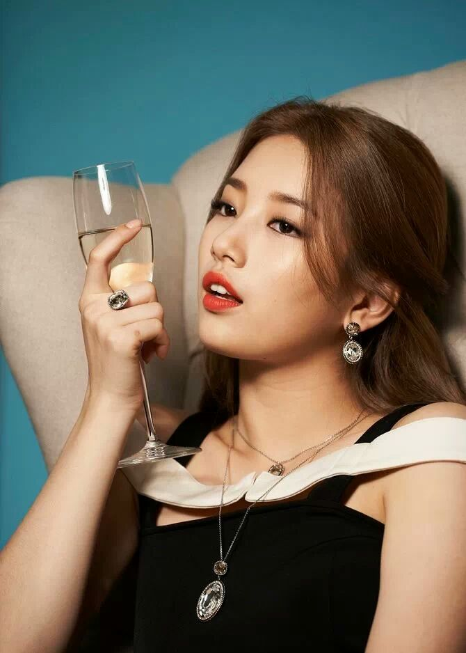 Tags: K-Pop, Miss A, Bae Suzy, Necklace, Wine, Chair, Cup, Black Outfit, Glass (Cup), Red Lips, Ring, Wine Glass