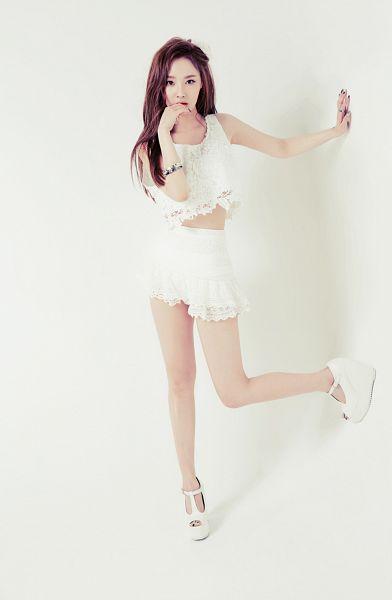 Tags: K-Pop, Dal Shabet, Bae Woo-hee, High Heels, Finger To Lips, White Footwear, Light Background, White Shorts, White Background, Shorts, Midriff