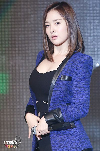 Tags: K-Pop, Dal Shabet, Bae Woo-hee, Blue Jacket, Black Outfit, Medium Hair