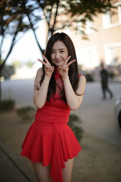 Tags: K-Pop, Dal Shabet, Bae Woo-hee, V Gesture, Red Outfit, Red Dress, Android/iPhone Wallpaper