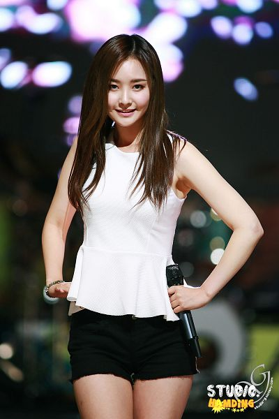Tags: Happyface Entertainment, K-Pop, Dal Shabet, Bae Woo-hee, Shorts, Black Shorts, Live Performance, Android/iPhone Wallpaper