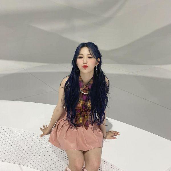 Baek Jiheon - fromis 9