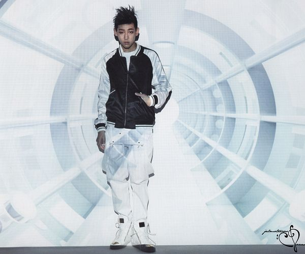 Tags: K-Pop, Got7, BamBam, White Pants, Serious, Hand In Pocket, Identify, Scan
