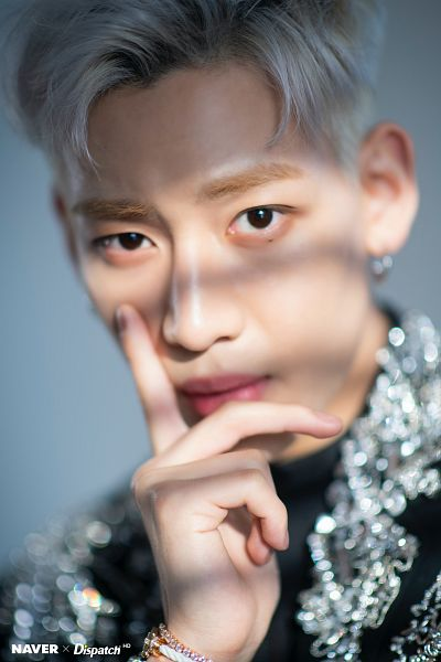 Tags: K-Pop, Got7, BamBam, Close Up, Mole, Hand On Cheek, Facial Mark, White Hair, Bracelet, Serious, Hand On Head, Dispatch