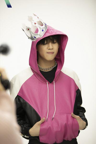 Tags: K-Pop, Got7, BamBam, Hand In Pocket, Hood, Headdress, Hoodie, Crown, Light Background, Necklace, White Background, VOGUE Korea