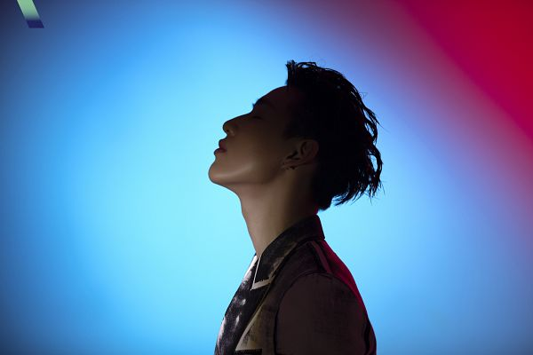 Tags: K-Pop, Got7, BamBam, Gradient Background, Looking Up, Serious, Side View, VOGUE Korea, Magazine Scan