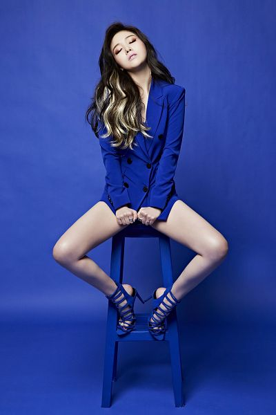 Tags: K-Pop, Girls' Day, I Am A Woman Too, Bang Minah, Blue Background, Eyes Closed, High Heels, Blue Footwear, Multi-colored Hair, Chair, Blue Jacket, Full Body
