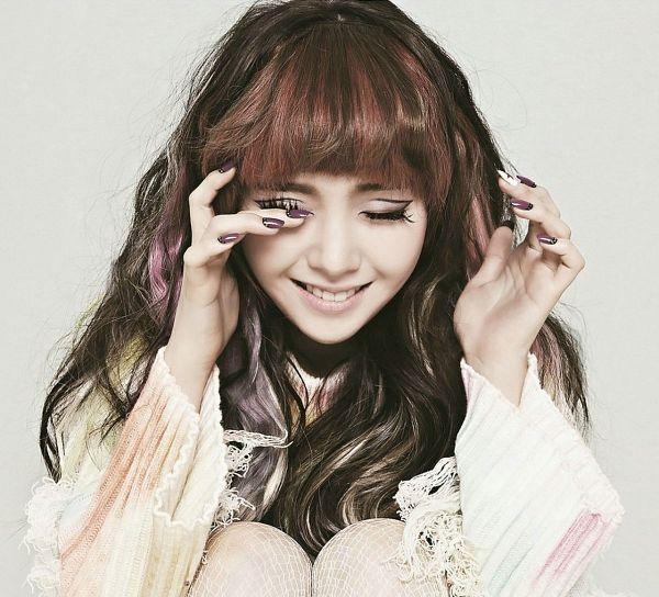 Tags: K-Pop, Girls' Day, I Am A Woman Too, Bang Minah, Eyes Closed