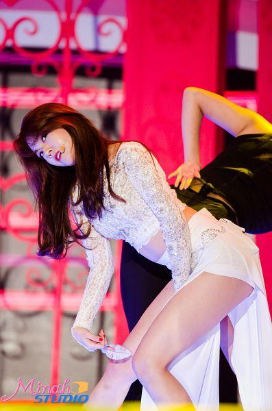 Tags: Girls' Day, Bang Minah, White Outfit, Bend Over, Singing, Nail Polish, Make Up, Android/iPhone Wallpaper