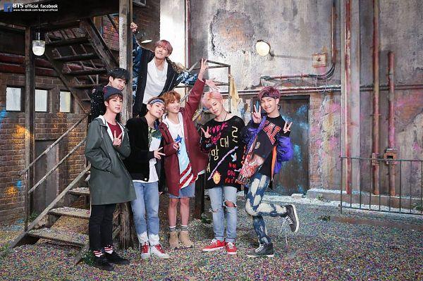 Tags: K-Pop, Bangtan Boys, Jin, Jungkook, Rap Monster, V (Kim Taehyung), Park Jimin, Suga, Full Body, Full Group, Standing, V Gesture
