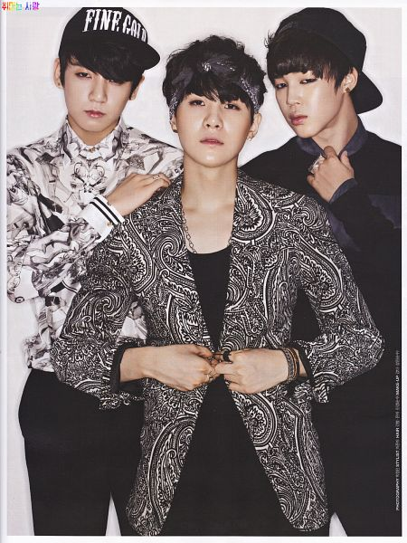 Tags: K-Pop, Bangtan Boys, Park Jimin, Suga, Jungkook, Black Shirt, Necklace, Hat, Black Pants, Three Males, Bracelet, Hand On Shoulder