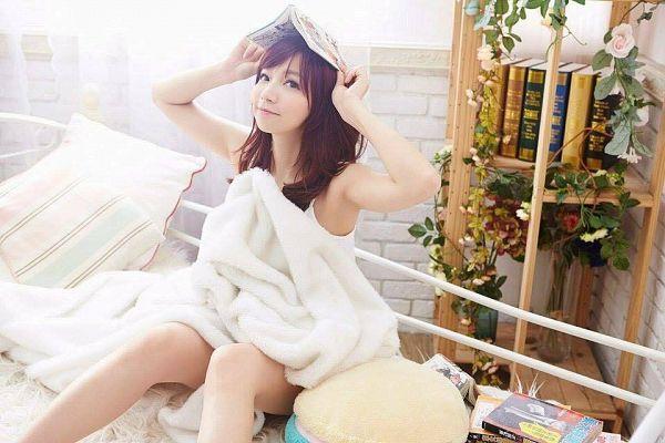 Tags: C-Pop, Popu Lady, Bao Er, Open Book, Book, Bookshelf, Pillow, Red Hair, Suggestive