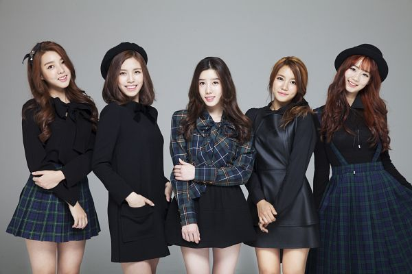 Tags: K-Pop, Berry Good, Because Of You, Daye, Seoyul, Gowoon, Taeha, Kang Sehyung, Black Dress, Group, Black Outfit, Quintet