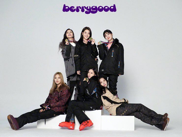 Tags: K-Pop, Berry Good, Gowoon, Taeha, Kang Sehyung, Daye, Seoyul, Johyun, Black Pants, Trophy, Fur, Grin