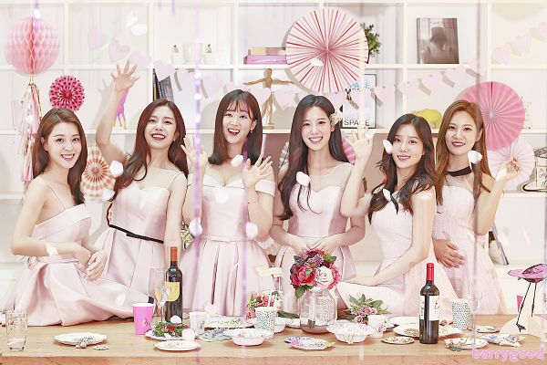 Tags: K-Pop, Berry Good, Gowoon, Taeha, Kang Sehyung, Daye, Johyun, Seoyul, Bare Shoulders, Bottle, Wine Glass, Cup