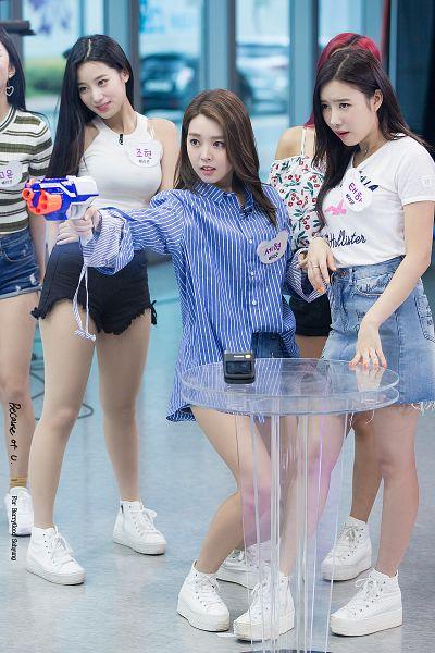 Tags: K-Pop, Berry Good, Taeha, Johyun, Kang Sehyung, Weapons, Trio, Three Girls, Contact Lenses, Ring, Gun, Blue Shirt