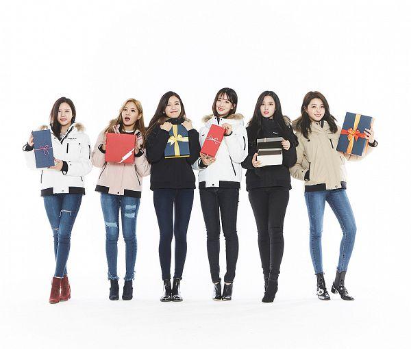 Tags: K-Pop, Berry Good, Taeha, Kang Sehyung, Daye, Johyun, Seoyul, Gowoon, Black Jacket, Blue Pants, Fur Trim, Jeans