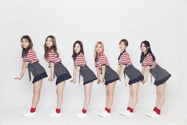 Tags: K-Pop, Berry Good, Bibbidi Bobbidi Boo, Gowoon, Johyun, Taeha, Kang Sehyung, Daye, Seoyul, Bend Over, Striped Shirt, Striped