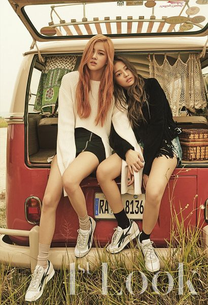 Tags: K-Pop, Black Pink, Jennie Kim, Rosé (singer), Android/iPhone Wallpaper
