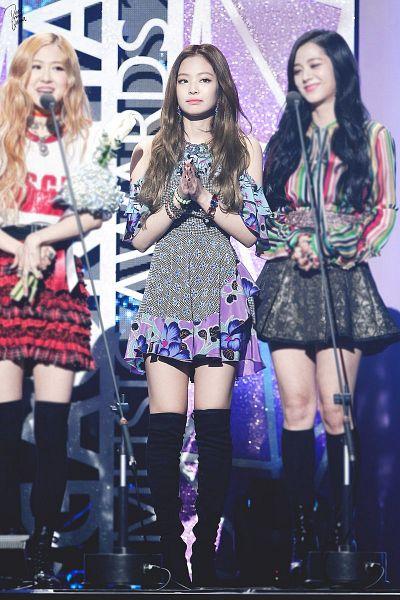 Tags: K-Pop, Black Pink, Kim Jisoo, Jennie Kim, Rosé (singer)