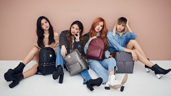 Tags: K-Pop, Black Pink, Jennie Kim, Rosé (singer), Kim Jisoo, Lisa, Bag, Brown Outfit, Wavy Hair, Brown Dress, Brown Background, Jeans