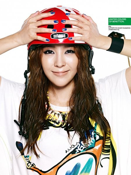 Tags: K-Pop, BoA, Hand On Head, Light Background, Nail Polish, White Background, Helmet, Make Up, Necklace, Wristband, Short Sleeves, United Colors Of Benetton