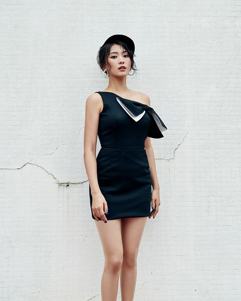 Tags: Starship Entertainment, K-Pop, Sistar, Lonely, Bora, Hat, Bare Legs, Light Background, Sleeveless Dress, White Background, Black Dress, Black Outfit
