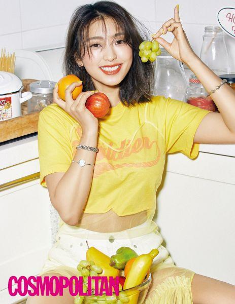 Tags: K-Pop, Sistar, Bora, Grapes, Pear, Nail Polish, Fruits, Medium Hair, Yellow Shirt, Kitchen, Bracelet, Orange (Fruit)