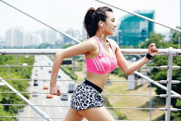 Tags: K-Pop, Sistar, Bora, Outdoors, Side View, Bare Shoulders, Suggestive, Cleavage, Bridge, Medium Hair, Wristband, Midriff
