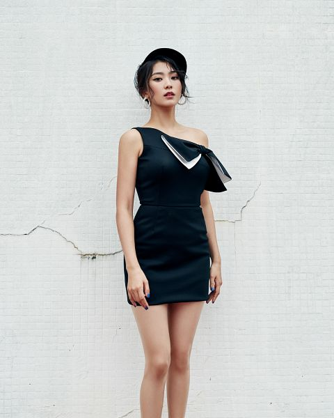 Tags: K-Pop, Sistar, Bora, Sleeveless Dress, White Background, Baseball Cap, Red Lips, Black Dress, Sleeveless, Bare Shoulders, Black Outfit, Hat