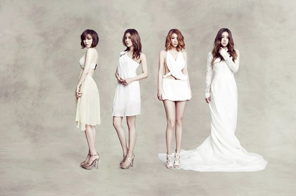 Tags: K-Pop, Brown Eyed Girls, Narsha, Miryo, Jea, Ga-In, White Background, Looking Away, Sleeveless Dress, Wavy Hair, Quartet, Medium Hair