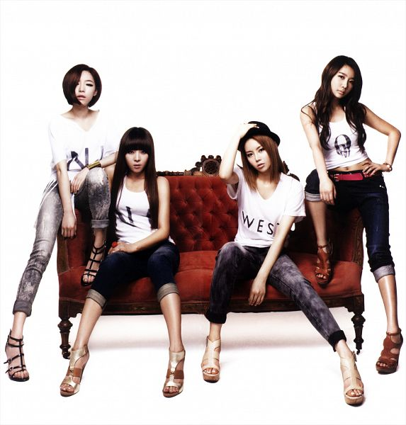 Tags: K-Pop, Brown Eyed Girls, Miryo, Jea, Ga-In, Narsha, Sleeveless, Hand On Waist, Brown Footwear, White Background, Shoes, Full Group