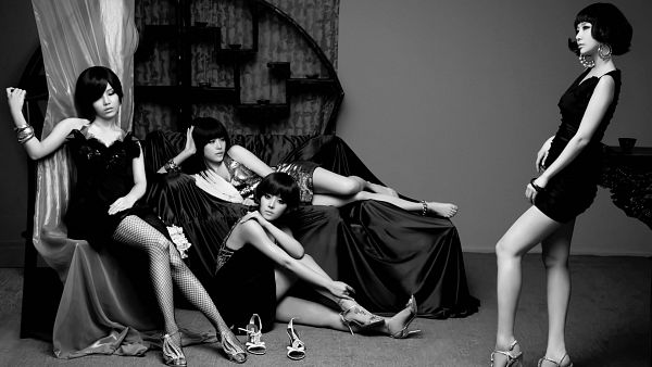 Tags: K-Pop, Brown Eyed Girls, Jea, Ga-In, Narsha, Miryo, Black Dress, Full Group, Monochrome, Quartet, Sitting On Chair, Black Outfit