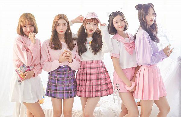 Tags: JTG Entertainment, K-Pop, Busters, Dream On, Cha Minjeong, Jung Jisu, Kim Minji (Busters), Kim Chaeyeon, Myeong Hyeongseo, Red Hair, Five Girls, Pink Shorts