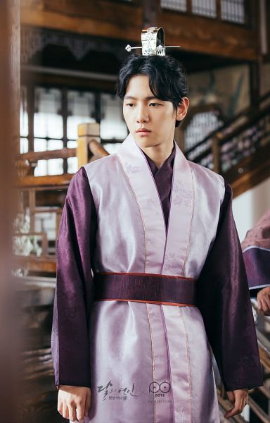 Tags: K-Drama, K-Pop, EXO, Byun Baekhyun, Serious, Purple Outfit, Traditional Clothes, Korean Clothes, Android/iPhone Wallpaper, Moon Lovers: Scarlet Heart Ryeo