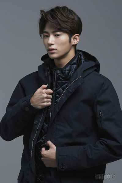 Tags: Byun Woo-seok, Coat, Serious, Gray Background, Elvine