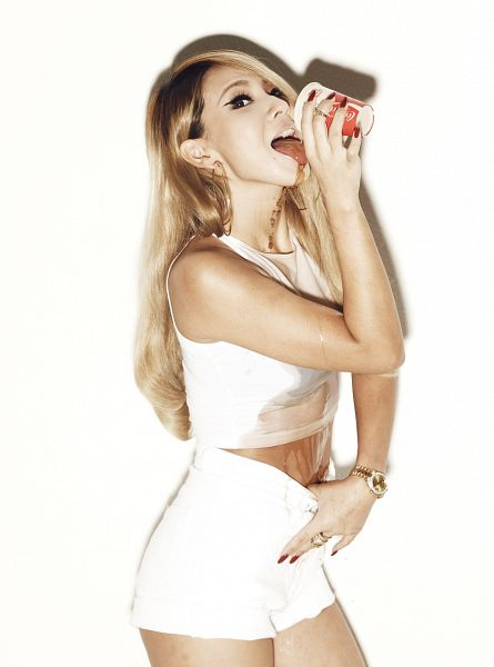 Tags: YG Entertainment, K-Pop, 2NE1, CL, White Background, Tongue, Watch, Drinks, Shorts, Drinking, Light Background, Wet