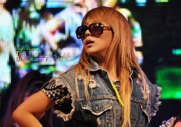 Tags: K-Pop, 2NE1, CL, Sunglasses, Looking Away, Denim Jacket, Glasses, Covering Eyes, Live Performance, Wallpaper