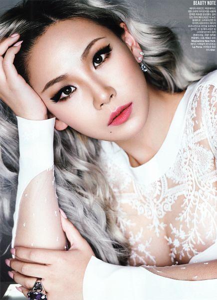Tags: YG Entertainment, K-Pop, 2NE1, CL, Hand On Head, Magazine Scan, Scan, Android/iPhone Wallpaper, Elle Korea