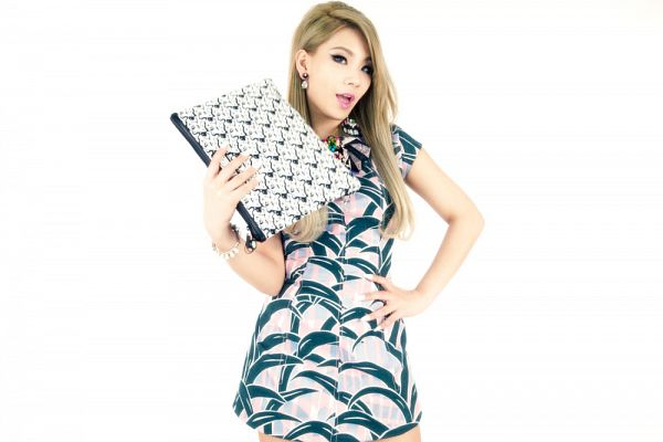 Tags: K-Pop, 2NE1, CL, White Outfit, Holding Object, Bare Legs, Light Background, Hand On Hip, Bag, White Background, White Dress