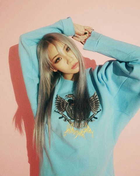 Tags: YG Entertainment, K-Pop, 2NE1, CL, Blue Shirt, Gray Hair, Shadow, Free Magazine, Pink Background, Instagram