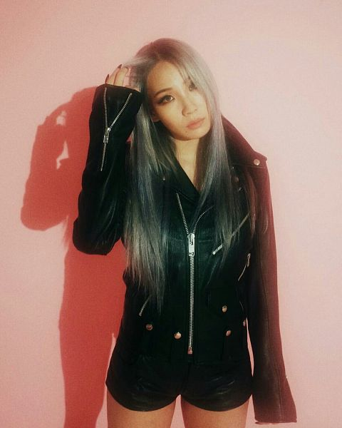 Tags: YG Entertainment, K-Pop, 2NE1, CL, Gray Hair, Shadow, Shorts, Free Magazine, Pink Background, Leather Jacket, Instagram