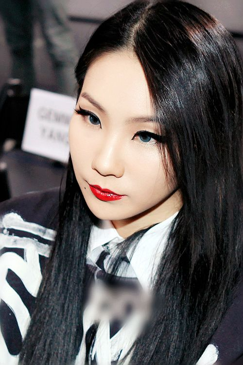 Tags: K-Pop, 2NE1, CL, From Above, Looking Ahead, Red Lips, Blue Eyes