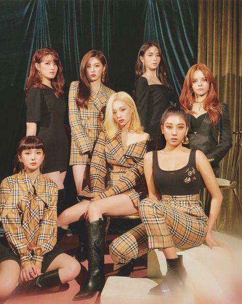 Tags: K-Pop, CLC (CrystaL Clear), Choi Yujin, Sorn, Jang Yeeun, Oh Seunghee, Kwon Eunbin, Elkie, Jang Seungyeon, Full Group, Sleeveless, Brown Outerwear